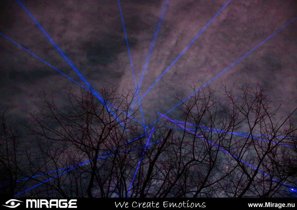 Blauwe Laserstralen.JPG