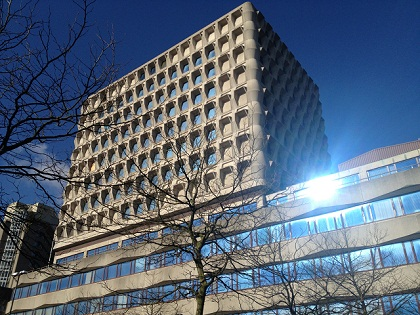 Gebouw Verlichten Haagse Courant 01.jpg