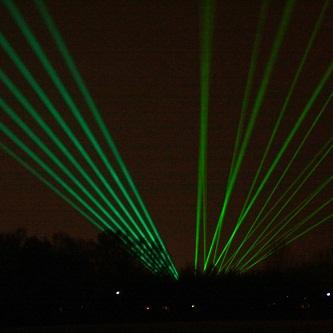 Laserstraal_Lasershow.jpg