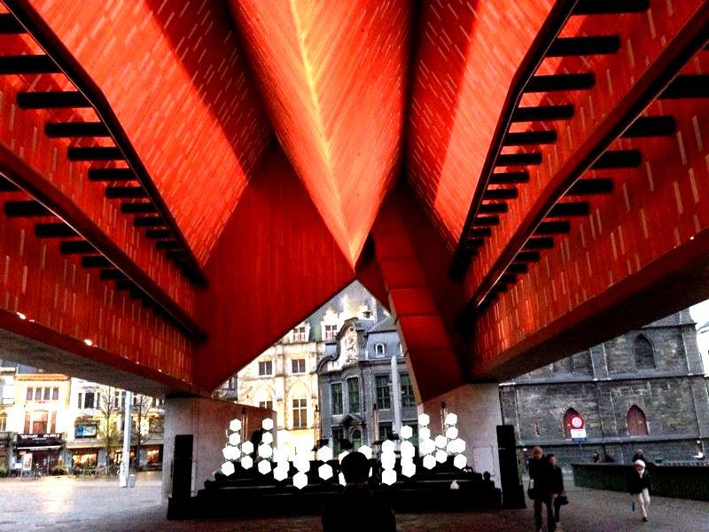 Stadshal Gent Mirage Architectural Lighting 01.jpg