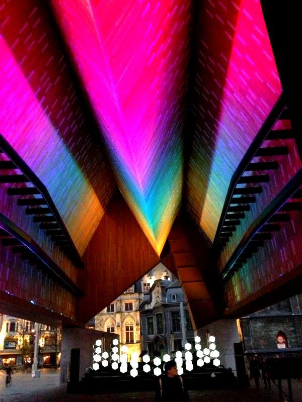 Stadshal Gent Mirage Architectural Lighting 02.jpg